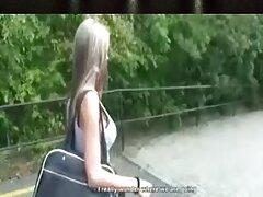 دختر جوان ژاپنی چشم بسته روی لرزاننده ها لگد می زند و صورتش را لکه بهترین سایتهای فیلم سکسی دار می کند