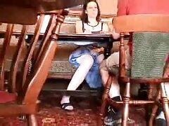 بازیگر زن جوان پورن بازی دیک و دیک مرد را لیس می زند و بهترین سایتهای فیلم سکسی در عوض کونیلینگوس می شود