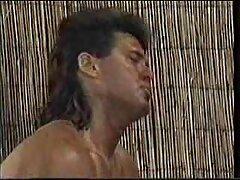 سبزه جوان سايت سكسي فارسي عاشق یک شخص عضلانی است و به او اجازه می دهد او را در الاغ لعنتی کند