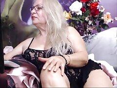 مشتری جوان از یک دمار از روزگارمان درآورد با یک ماساژ بهترین سایتهای سکسی خارجی دادن