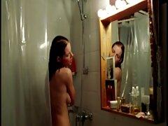 نوجوان بلوند استمناء بیدمشک در سایت های سکسی فیلم حیاط خلوت مدرسه