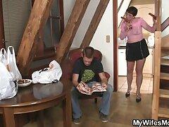 گربه دختر جوان را لیس بزنید و آلت تناسلی هیجان زده اش بهترین سایت های سکس را در آنجا قرار دهید