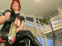 یک دختر جوان برای سایت های فیلم سکسی اولین بار رابطه جنسی مقعد را با دوربین امتحان می کند