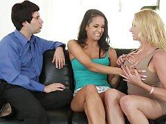 لزبین های جوان ، دلهره جنسی پرشور را روی سایت های سکس در تلگرام تخت ترتیب می دهند