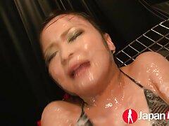 به یک خانم جوان و آبدار ، الاغ نرم خود در دریاچه داده می شود انواع سایت های فیلم سکسی