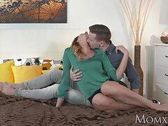 زن و سایت سکسی لوتی ها شوهر جوان ناز در اتاق هتل لعنتی دارند و از آن لذت می برند